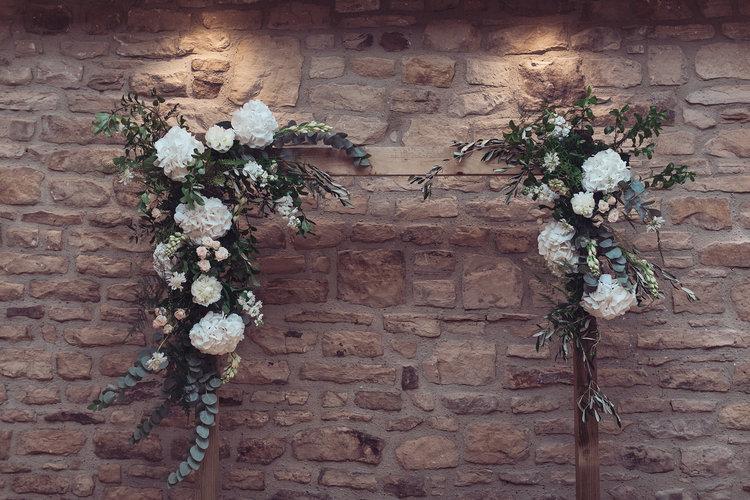 Intimate Stylish Barn Wedding 047.jpg