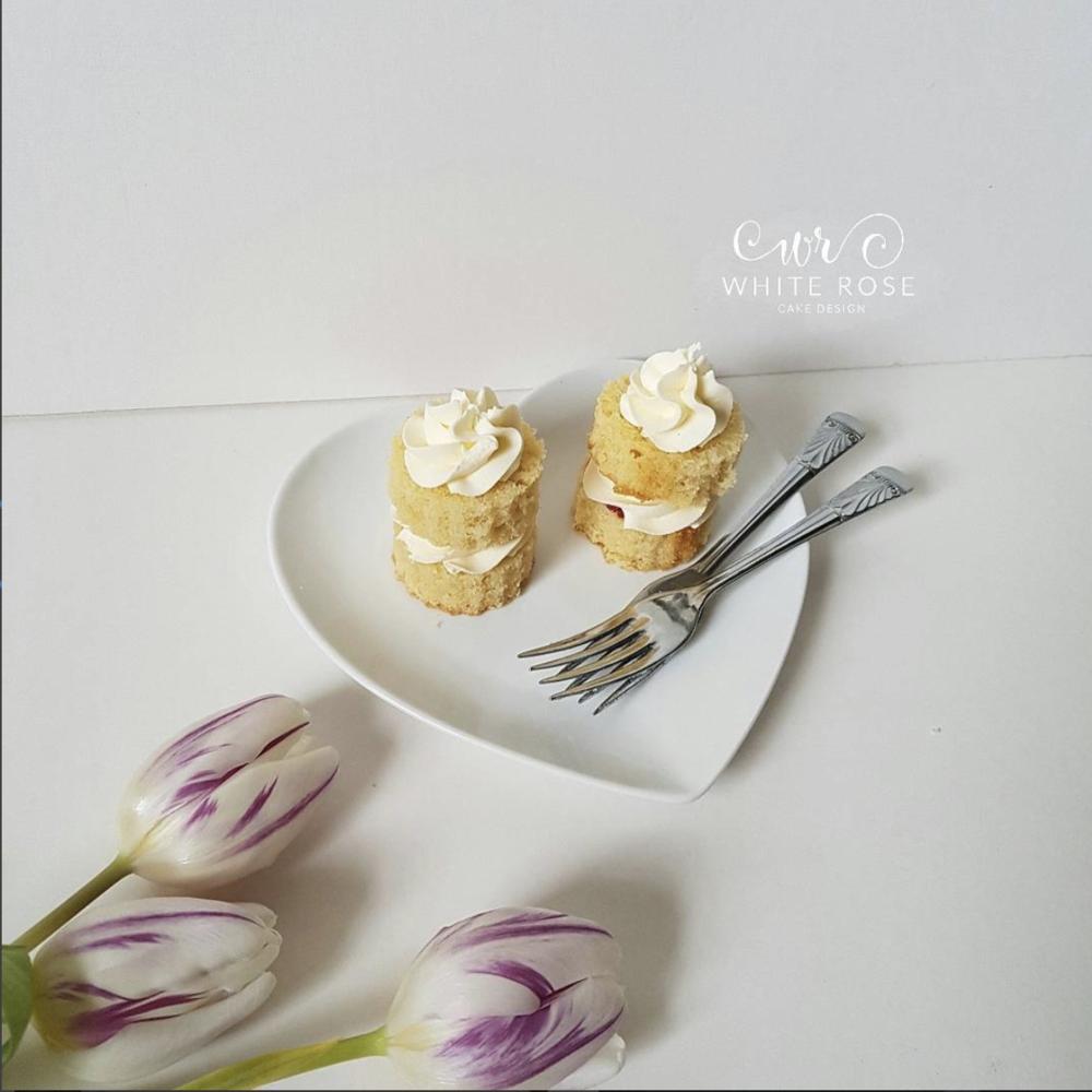 Wedding cake consultation and sampling from White Rose Cake Design