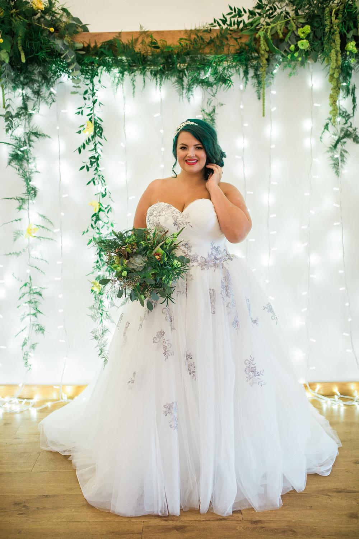 Greenery Yellow Bridal Shoot Plus Size 378.jpg