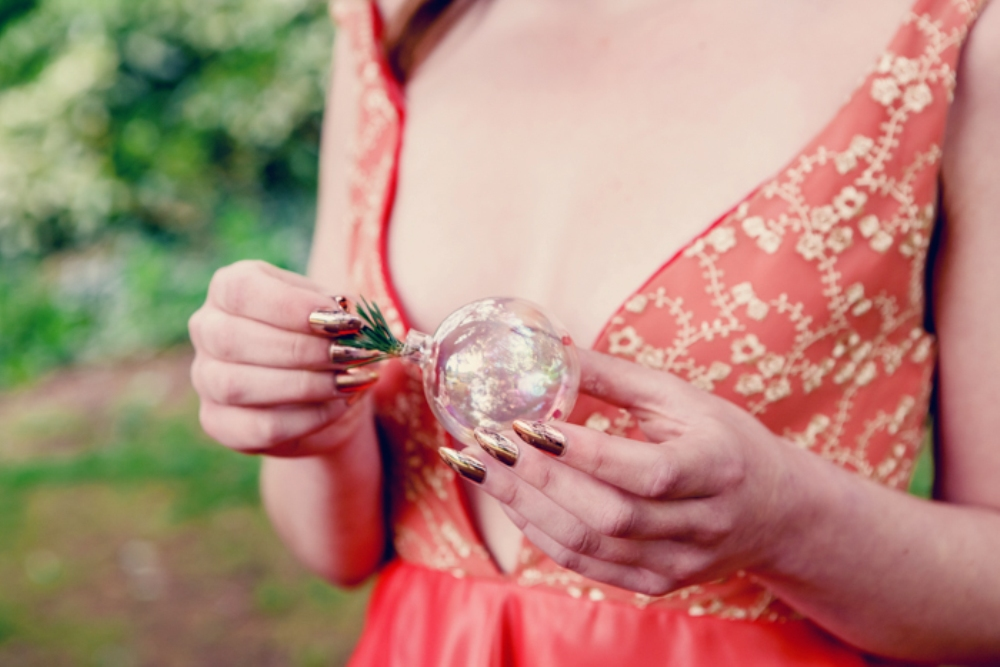 diy woodland wedding bauble decor