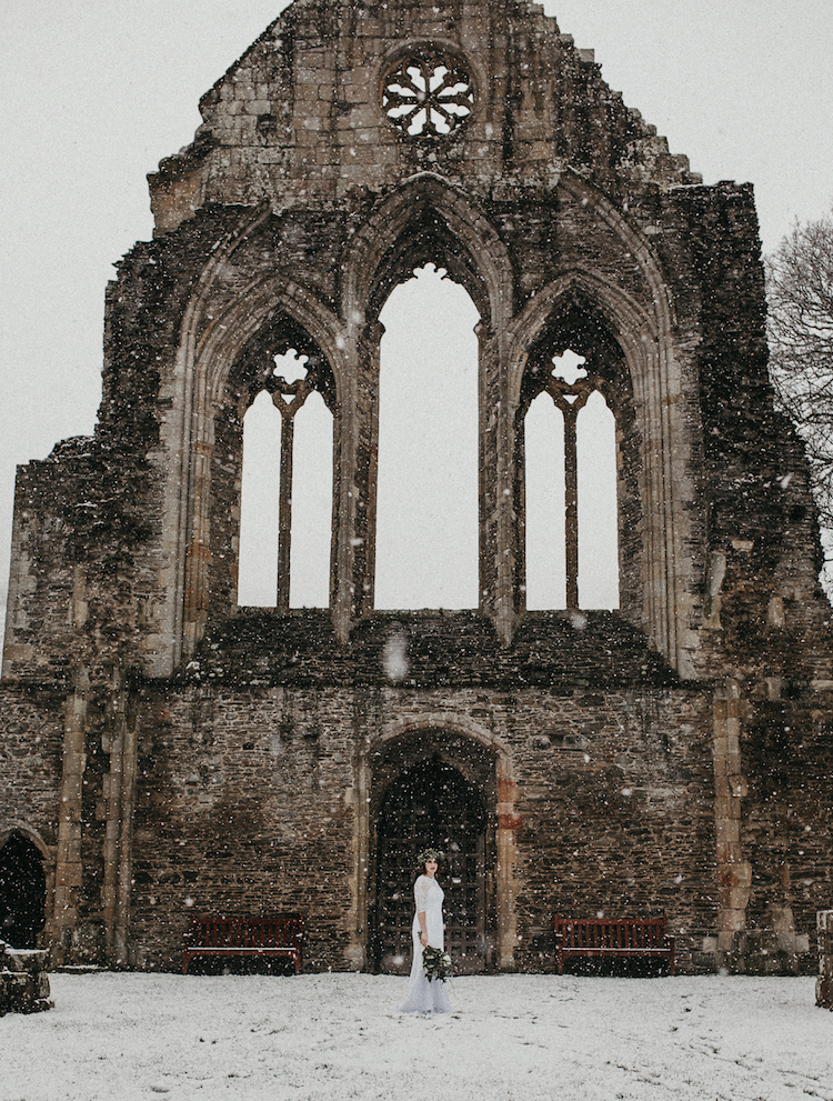 And so to Wed - Valle Crucis Abbey - Avonné Photography3.jpg