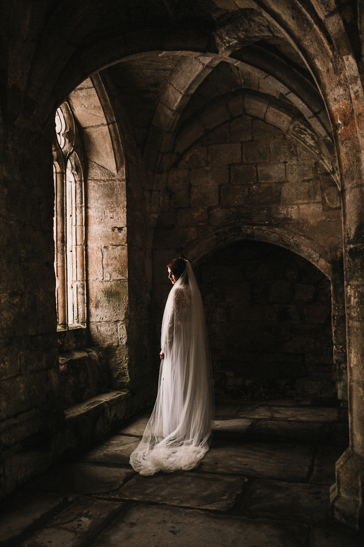 And so to Wed - Valle Crucis Abbey - Avonné Photography10.jpg