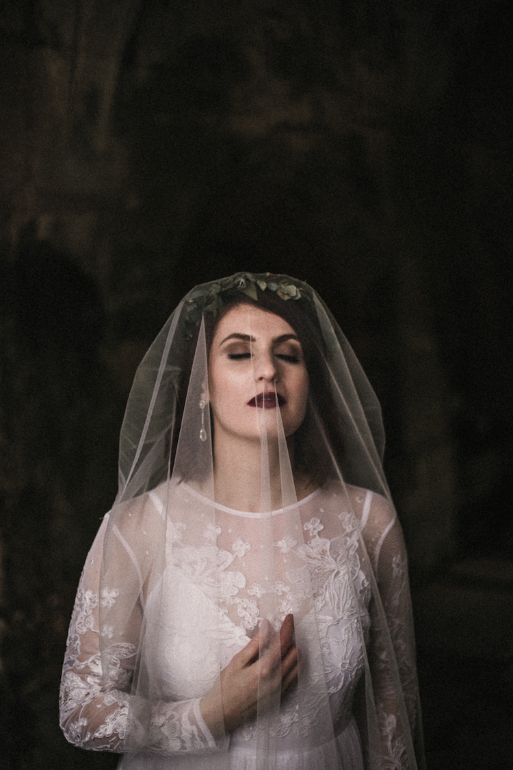 And so to Wed - Valle Crucis Abbey - Avonné Photography16.jpg