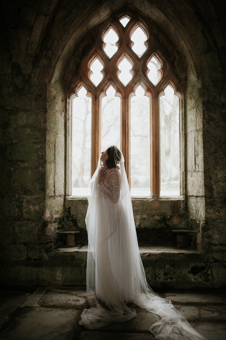 And so to Wed - Valle Crucis Abbey - Avonné Photography18.jpg
