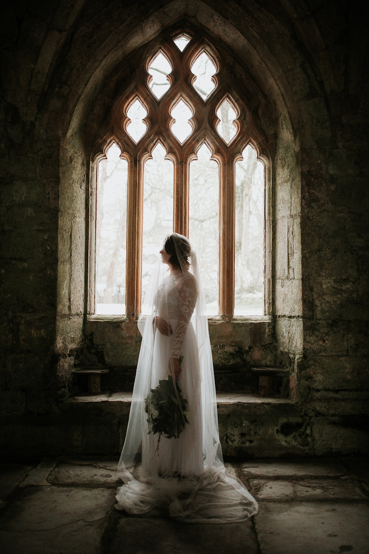 And so to Wed - Valle Crucis Abbey - Avonné Photography19.jpg