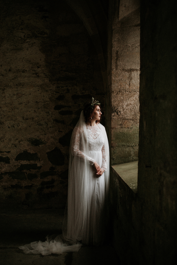 And so to Wed - Valle Crucis Abbey - Avonné Photography28.jpg