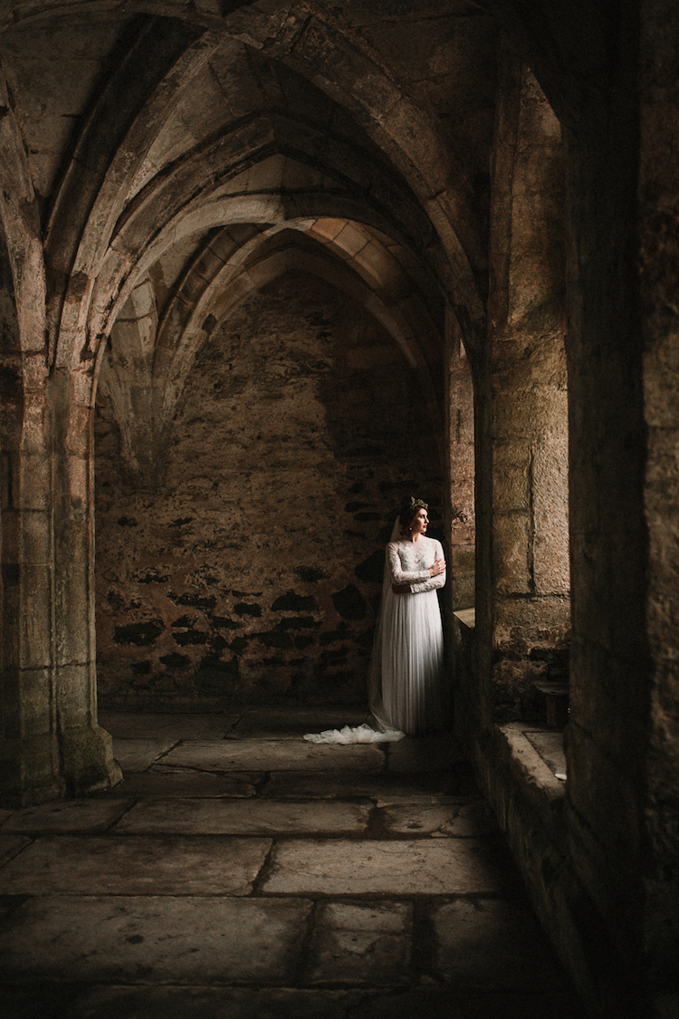 And so to Wed - Valle Crucis Abbey - Avonné Photography30.jpg