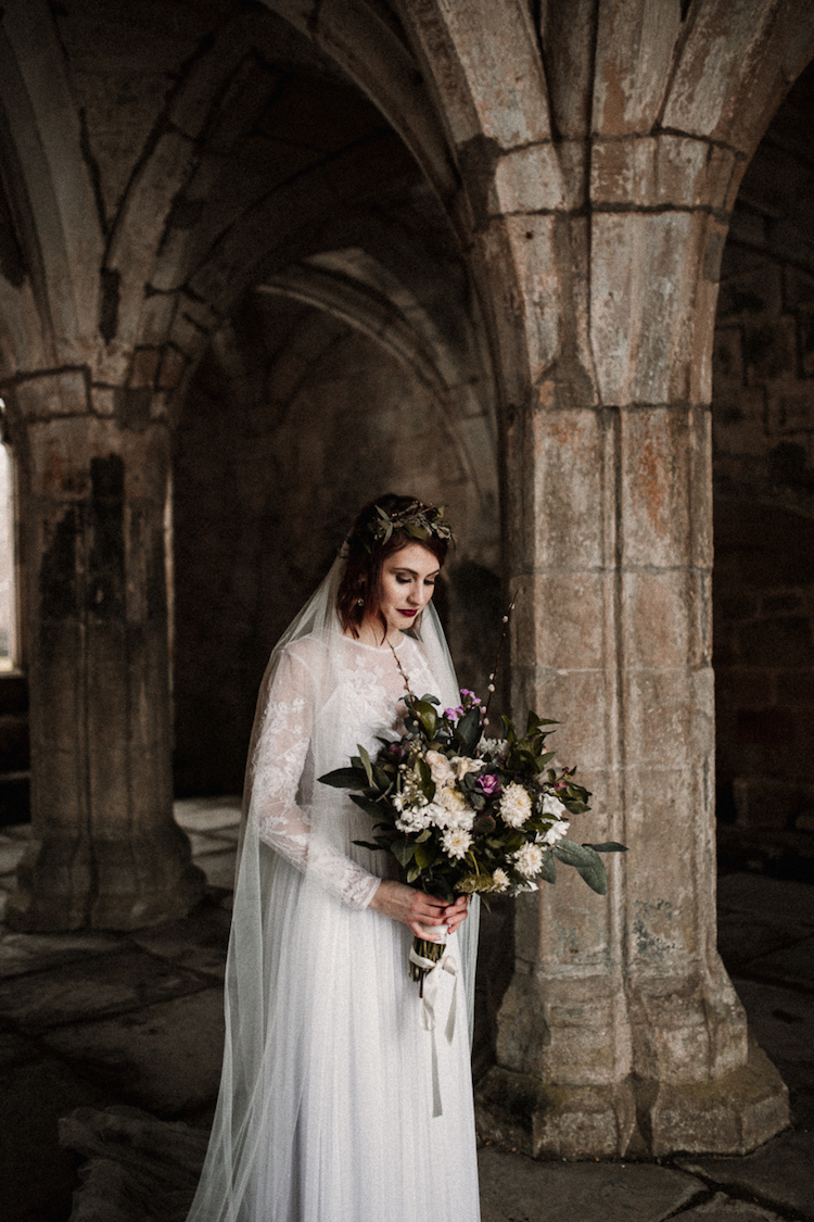 And so to Wed - Valle Crucis Abbey - Avonné Photography35.jpg