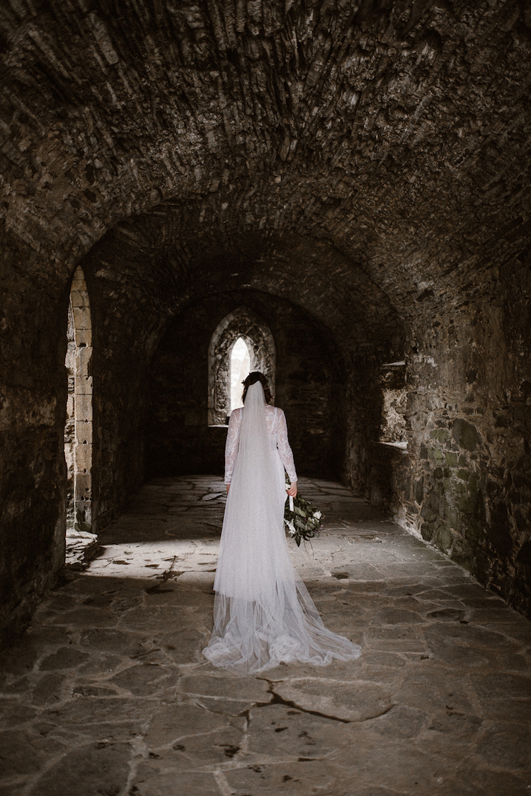 And so to Wed - Valle Crucis Abbey - Avonné Photography36.jpg