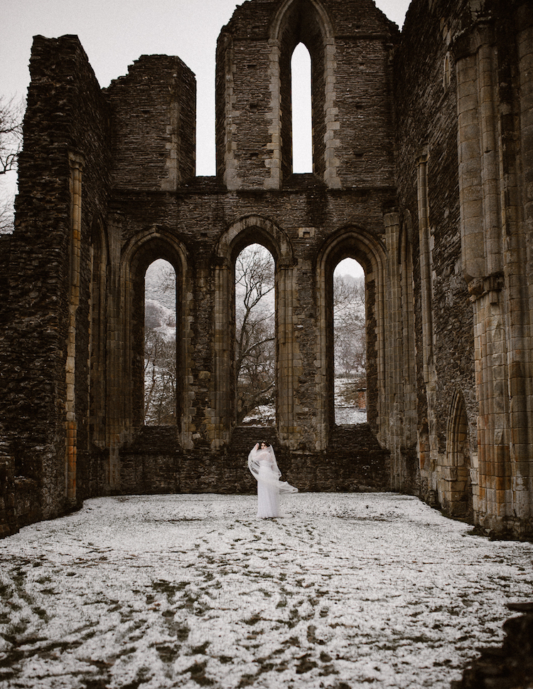 And so to Wed - Valle Crucis Abbey - Avonné Photography41.jpg