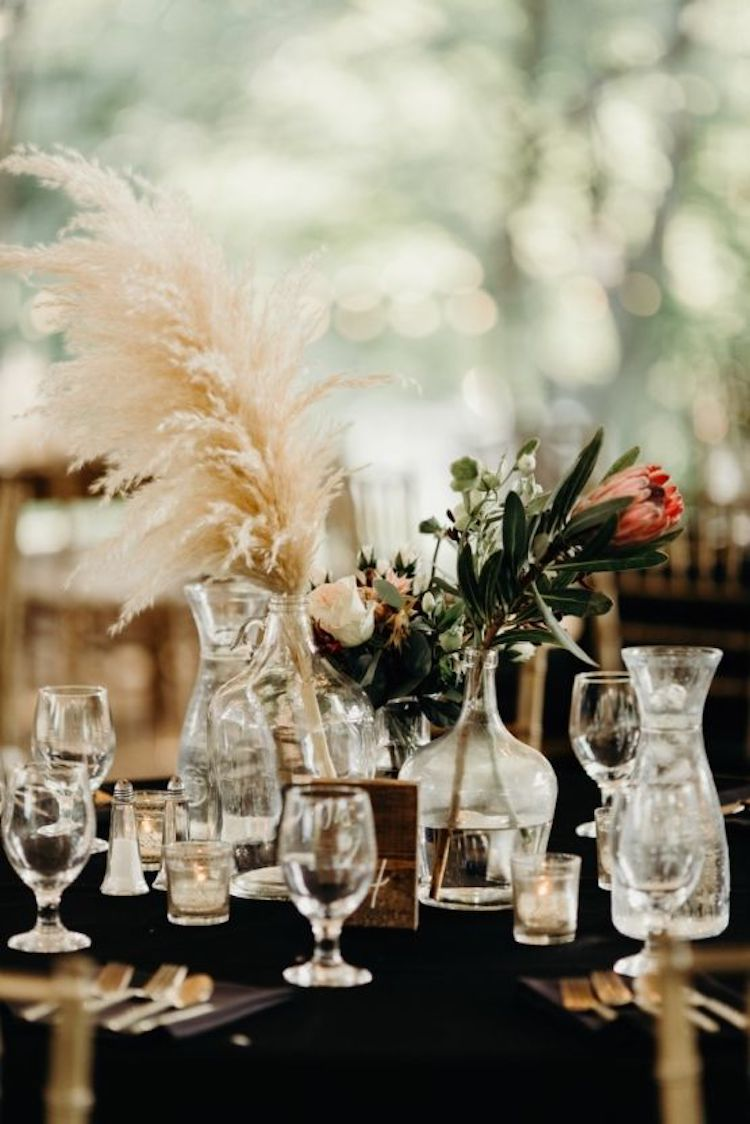 Photography by  Brad and Jen Photography , Venue, Planner and Floral Design  Cedarwood Weddings