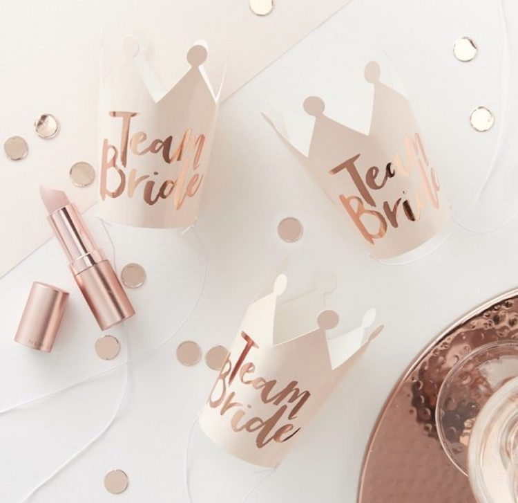 Mini Crowns || Team Hen via And so to Shop