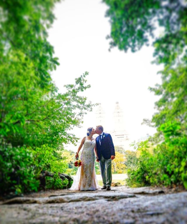 A romantic location calls for a romantic kiss, especially on Valentine's day! #centralpark #centralparkwedding #weddingphotographer #wedding #weddingplannernyc #elopement #newyorkelopement #newyork #weddinginspo #elopementplanner #newyorkdreamweddings #harleyhall #elopenyc #weddingphotography #newyork #love #elope #creative #weddings #nywedding #harleyhallphotography #tourists #instawedding #weddinginspiration #dreamwedding #weddingwire