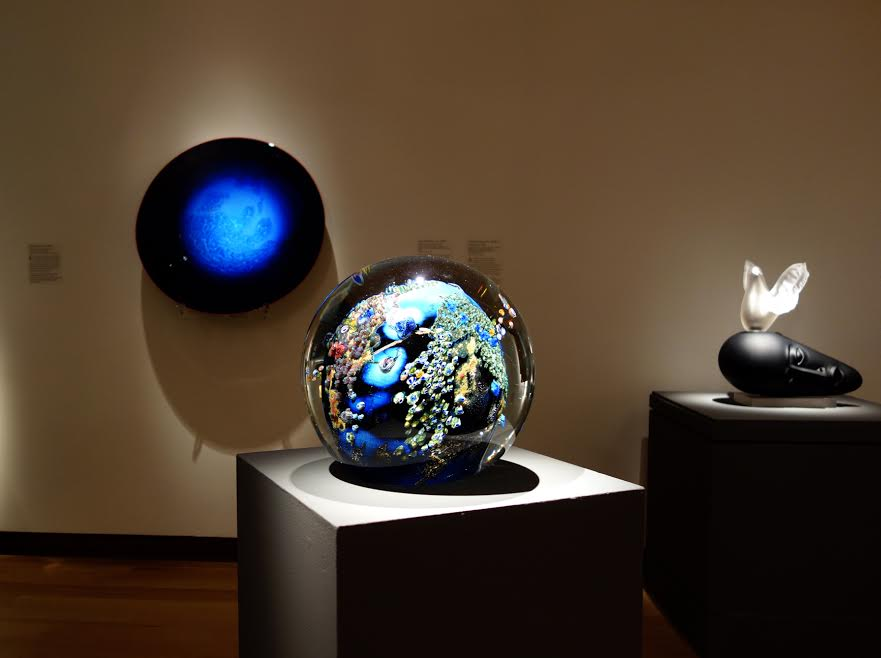 Josh Simpson's Megaworld and Blue New Mexico Platter on display at the New Britain Museum of American Art's exhibit:Glass Today: 21st-Century Innovations