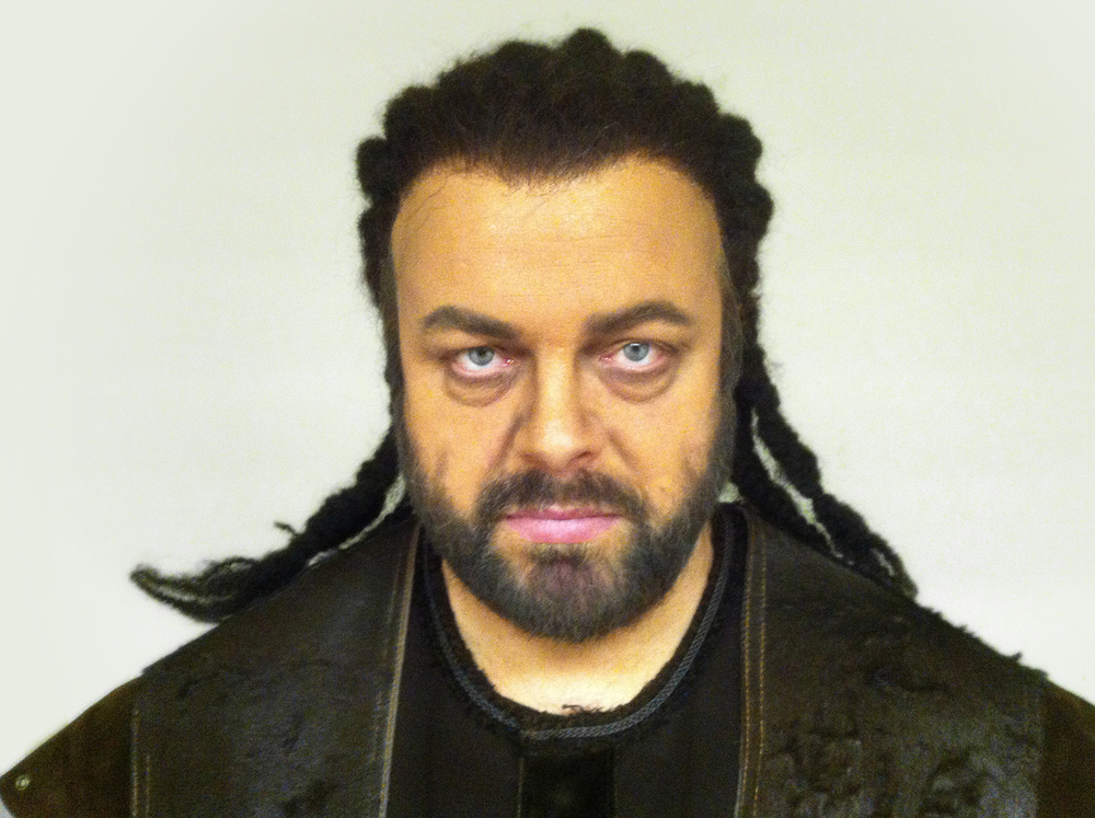 """Rúni Brattaberg í leiklutinum """"Hagen"""" úr """"Götterdämmerung"""" eftir Ricard Wagner. Myndin er frá  Metropolitan Opera í 2013"""