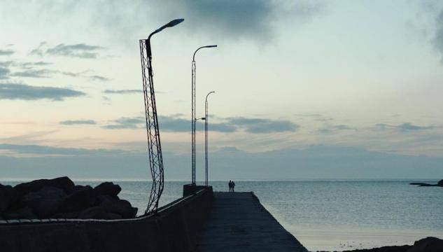 Her er eitt fínt og upplýsandi podcast, har Sakaris Stórá greiðir Heidi Lindenskov Róadóttir frá filminum, Dreymar við havið. http://kvf.fo/roddin/greinar/2017/09/19/podcast-eg-hevdi-fri-i-26-timar-tilsamans-tad-summarid