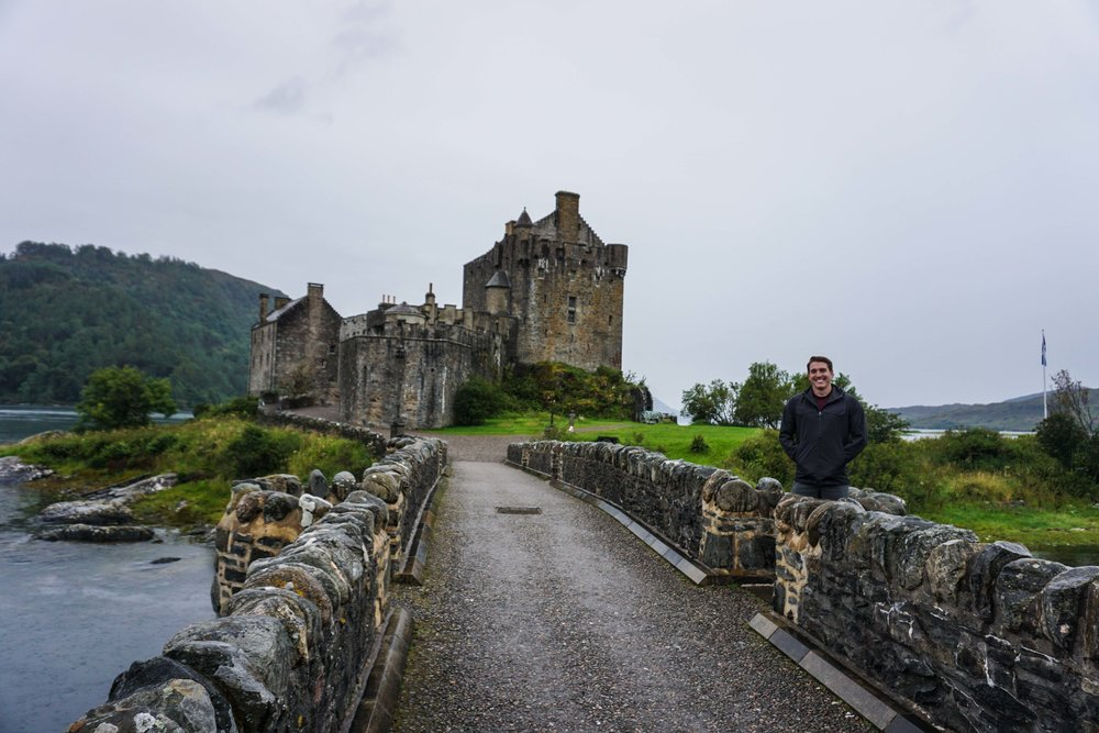 T is giddy around the castles