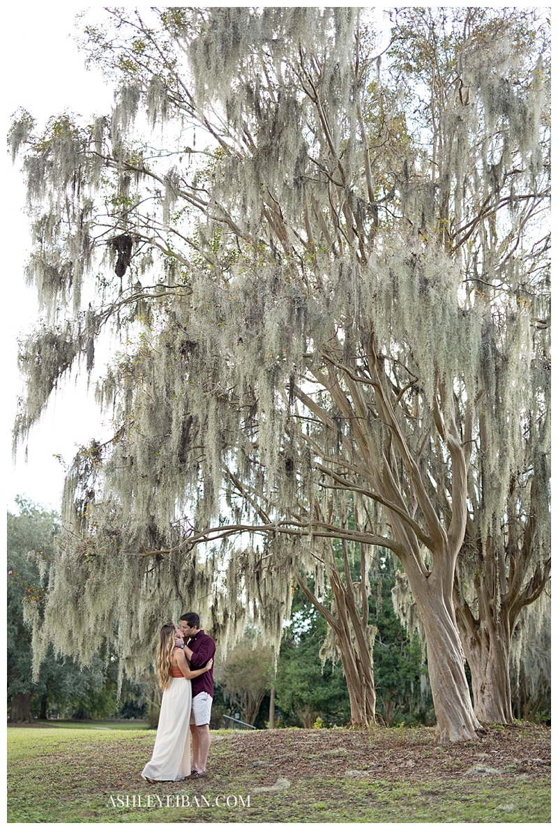 Charleston, SC Wedding & Portrait Photographer || Charleston Engagement Photographer || Ashley Eiban Photography || www.ashleyeiban.com