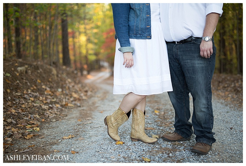 Sierra Vista Engagement Photographer || Lynchburg VA Wedding and Portrait Photographer || Ashley Eiban Photography || www.ashleyeiban.com