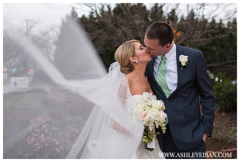 Boonsboro Country Club Wedding || Lynchburg, Virginia Wedding Photographer || Central VA Wedding Photographer || Ashley Eiban Photography || www.ashleyeiban.com
