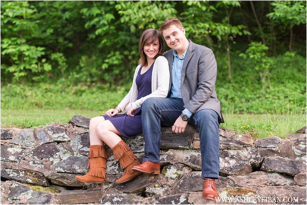 Lynchburg Engagement Session || Lynchburg Wedding Photographer || www.ashleyeiban.com