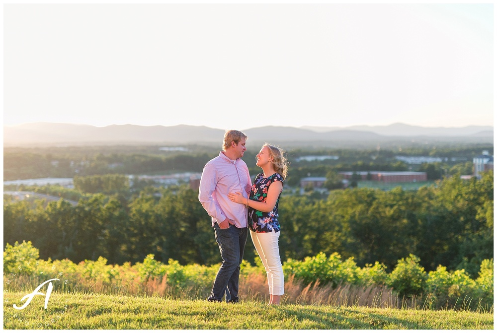 Summer Engagement Session || Lynchburg VA Wedding Photographer || Charlottesville Wedding Photographer || Ashley Eiban Photography || www.ashleyeiban.com