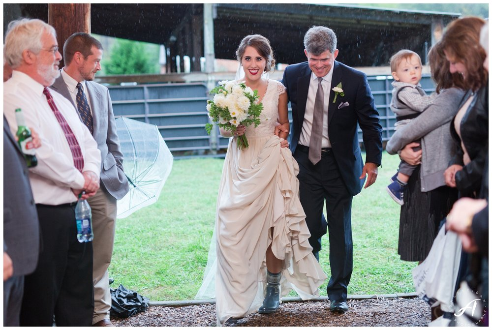 Historic_Riverview_on_the_James_Wedding || Rainy_Day_Wedding || Lynchburg_Wedding_Photographer