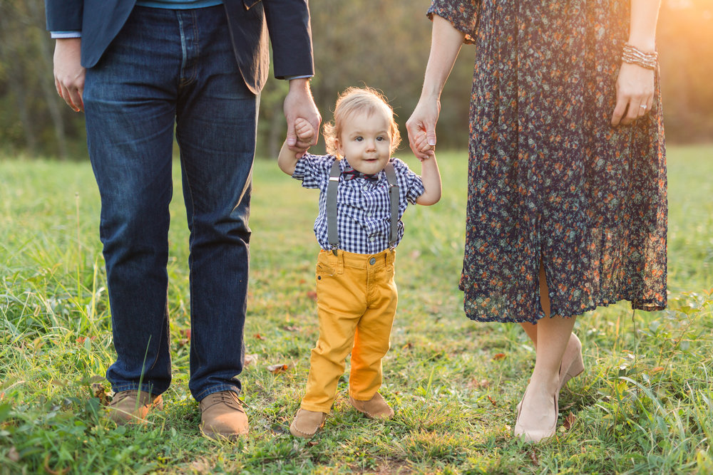 Central Virginia Family and Portrait Photographer || Lynchburg Family Photographer || www.ashleyeiban.com