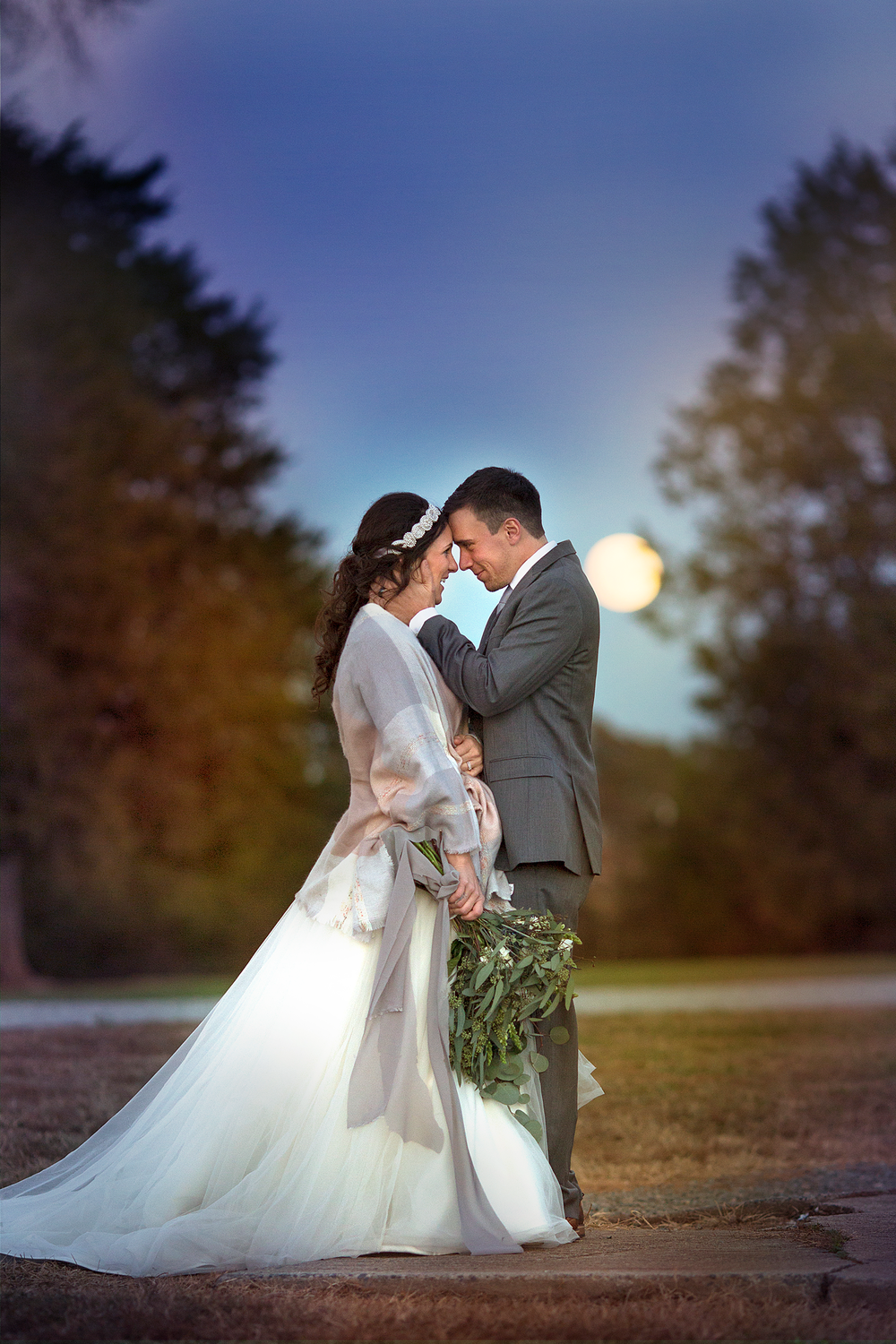 Charlottesville and Lynchburg Wedding Photographers || Ashley Eiban Photography || www.ashleyeiban.com