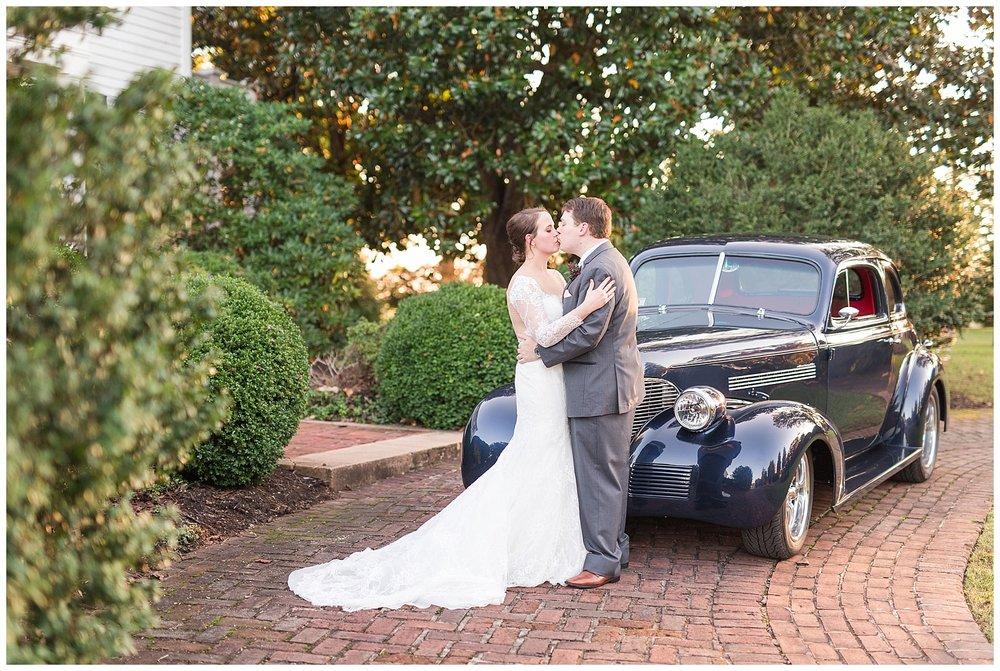 Lynchburg Wedding Photographer || Wedding at The Trivium Estate || www.ashleyeiban.com