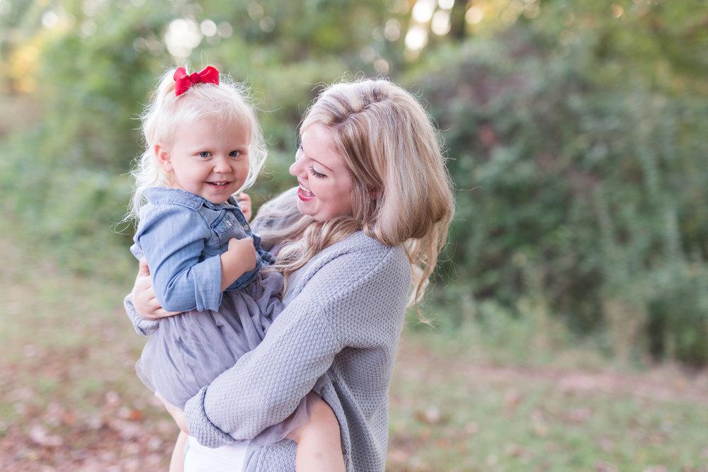 Lynchburg Virginia Family and Wedding Photographer || www.ashleyeiban.com
