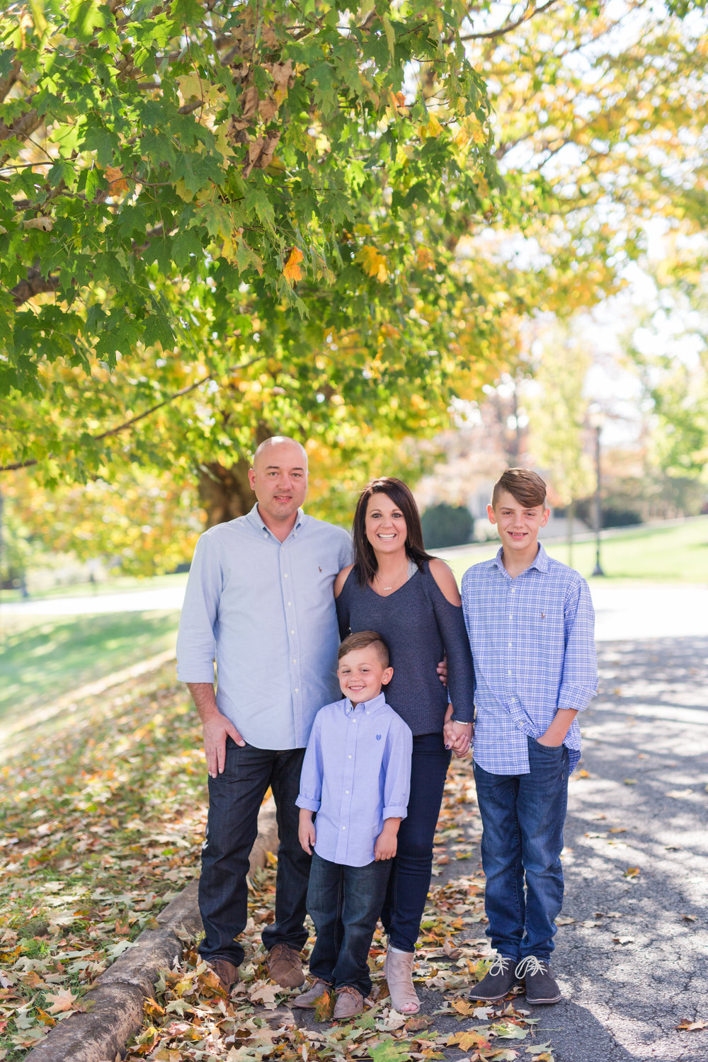 Lynchburg Family Photographer || Central VA Photographer || www.ashleyeiban.com
