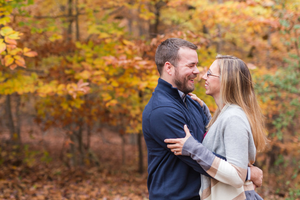 Lynchburg Virginia Engagement Session || Fall Engagement Photos in Virginia || Lynchburg Wedding and Portrait Photographer || www.ashleyeiban.com