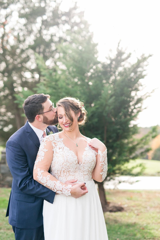 Lynchburg Virginia Wedding Photographer || Central Virginia Wedding Photos || The Trivium Estate Wedding || Ashley Eiban Photography || www.ashleyeiban.com