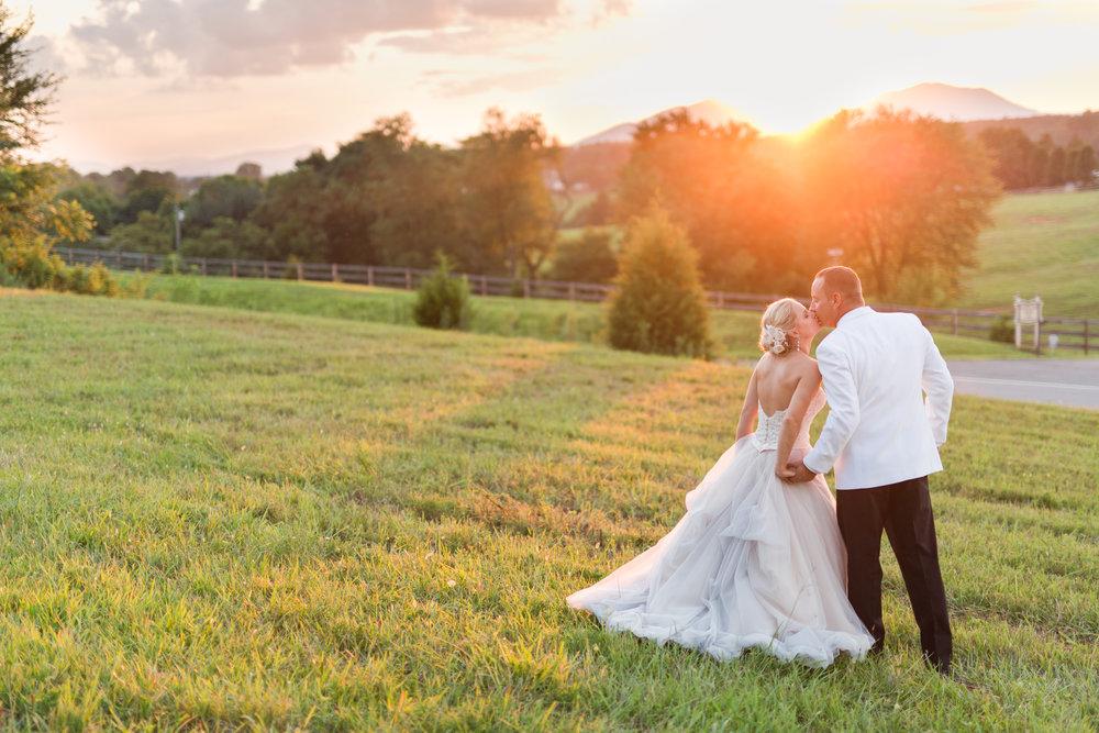 Lynchburg, VA Wedding Photographer || Ashley Eiban Photography || www.ashleyeiban.com
