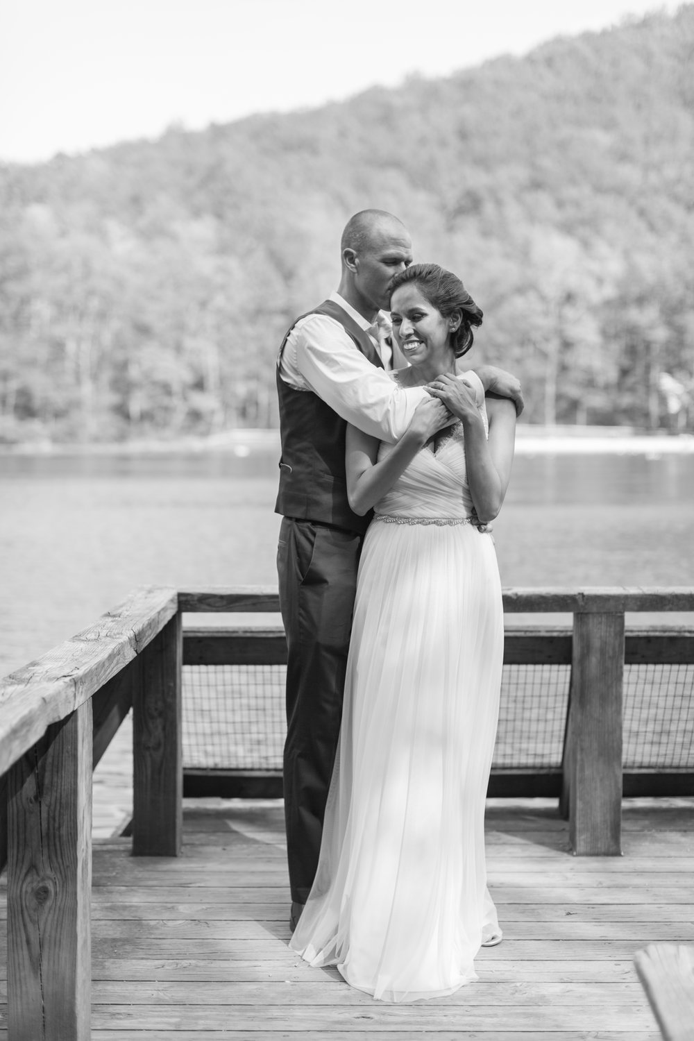 Sherando Lake Wedding || Intimate elopement style wedding in Central Virginia || Lynchburg, Virginia Wedding Photographer || www.ashleyeiban.com