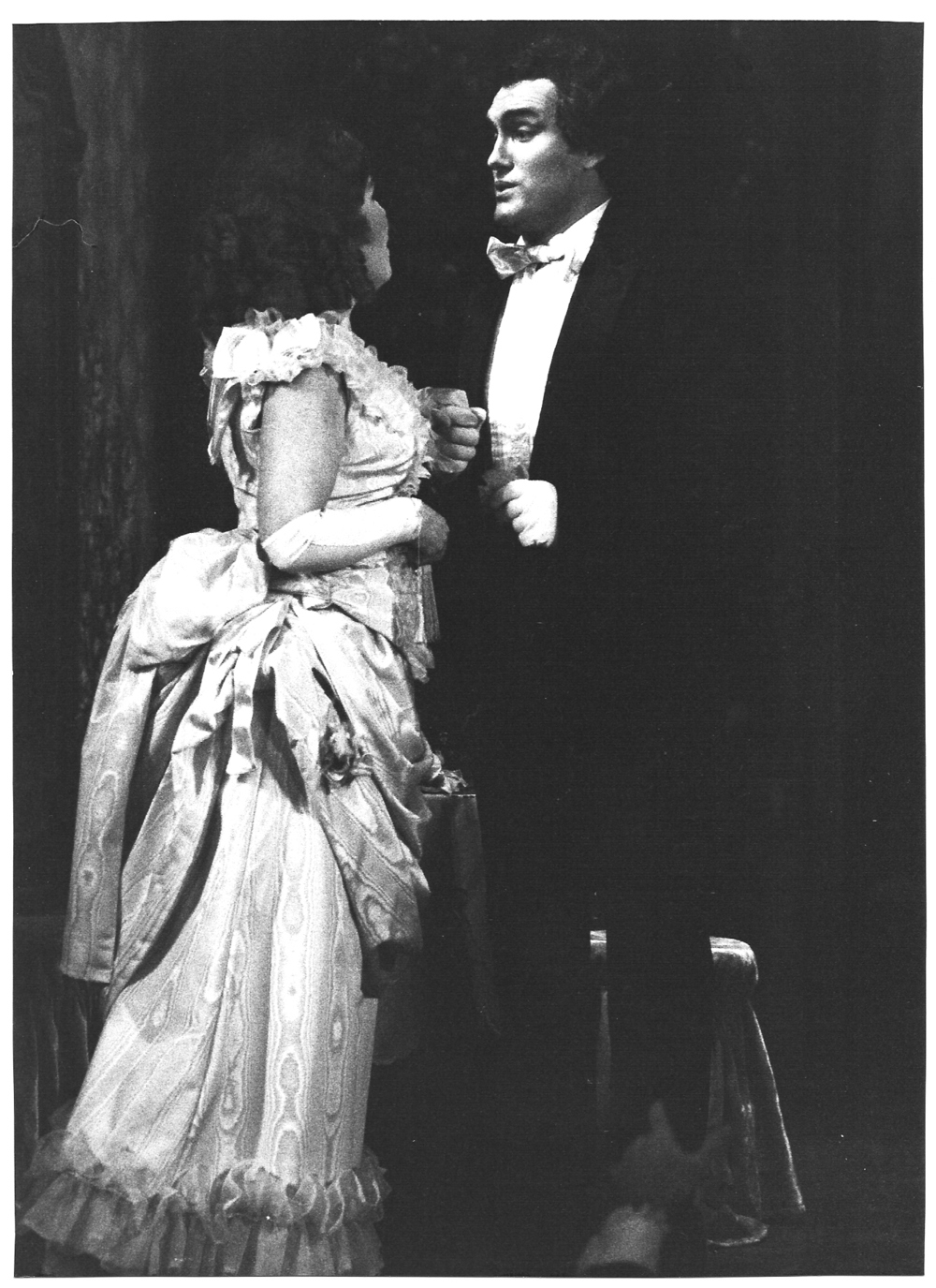 Traviata Act 1, Concern.jpg