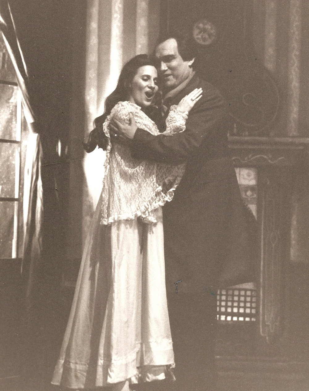 Traviata Act 3  to Paris.jpg