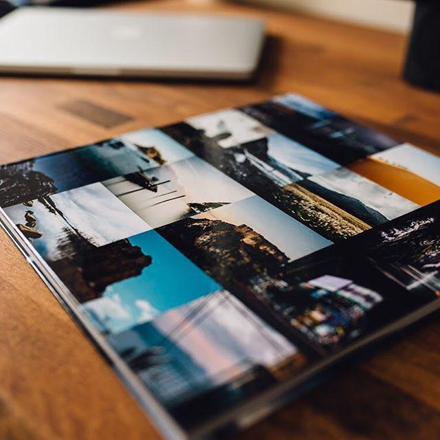 """Nun durfte ich auch eines der Fotobücher von @saal_digital testen. @svenja_unterwegs ist ja bereits überzeugte Kundin des Premium Online Fotolabors, deshalb waren meine Erwartungen hoch. Für den Hobby- als auch professionellen Bereich der Fotografie ist es nicht einfach ein  Online Foto Labor zu finden, das tatsächlich einen professionellen Workflow bietet, jedoch auch für schnelle und pragmatische Produktionen ein unkompliziertes Handling. Auf Wunsch ist es möglich bei Saal Digital ein Farbprofil in das eigene Photoshop zu laden, um höchstmögliche Farbechtheit über den gesamten Produktionsprozess zu erhalten. In diesem Falle habe ich dies jedoch nicht durchgeführt, da ich wissen wollte wie gut die Farbtreue auch ohne Color Management funktioniert und ich muss sagen, ich bin begeistert. Bisher habe ich bei keinem anderen Anbieter ein so exzellentes Ergebnis erhalten - zugegeben,  das Produkt ist nicht günstig aber als Premium Anbieter erhält man auch entsprechende Premium Qualität. Absolut gerechtfertigt. Mein Testprodukt war ein quadratisches 28x28 Fotobuch mit Glanz Cover für die Wiedergabe optimaler Schwarzwerte mit matten Innenseiten - das besondere: Die Liege Falz Technik bei der Bindung. Ich hatte Fotobücher wo besonders Panorama Aufnahmen über beide Bildseiten komplett an Wirkung verlieren, da die Binde Falz in der Mitte dem Bild einen Anteil """"klaut"""" und sogar versteckt. Bei diesem Fotobuch liegt wirklich ausnahmelos jede Doppelseite komplett glatt auf, so dass Panorama Aufnahmen wirklich großartig aussehen. Tolles Produkt! Klare Kaufempfehlung, wenn es etwas hochwertiger sein darf und die Fotos in bestmöglicher Qualität präsentiert werden sollen. Fazit: Klare Empfehlung von mir. Hier noch der Link zu dem Anbieter für alle Interessierten: www.saal-digital.de #saaldigital #fotobuch #fotobuchtest #panorama #landscape"""