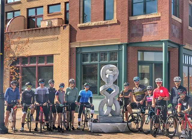 Cycling send off for @brynkk Happy trails!  #backbonemedia #carbondale #colorado @diamondbackbike @pocsports @lasportivagram #geartest #getoutside #lunchlaps #adventure @rygr.us
