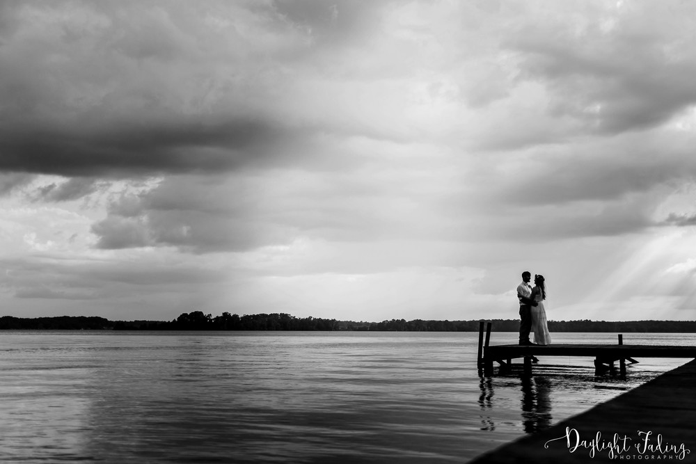 Summer wedding on Lake Claiborne in Northwest Louisiana - daylightfadingphotography.com