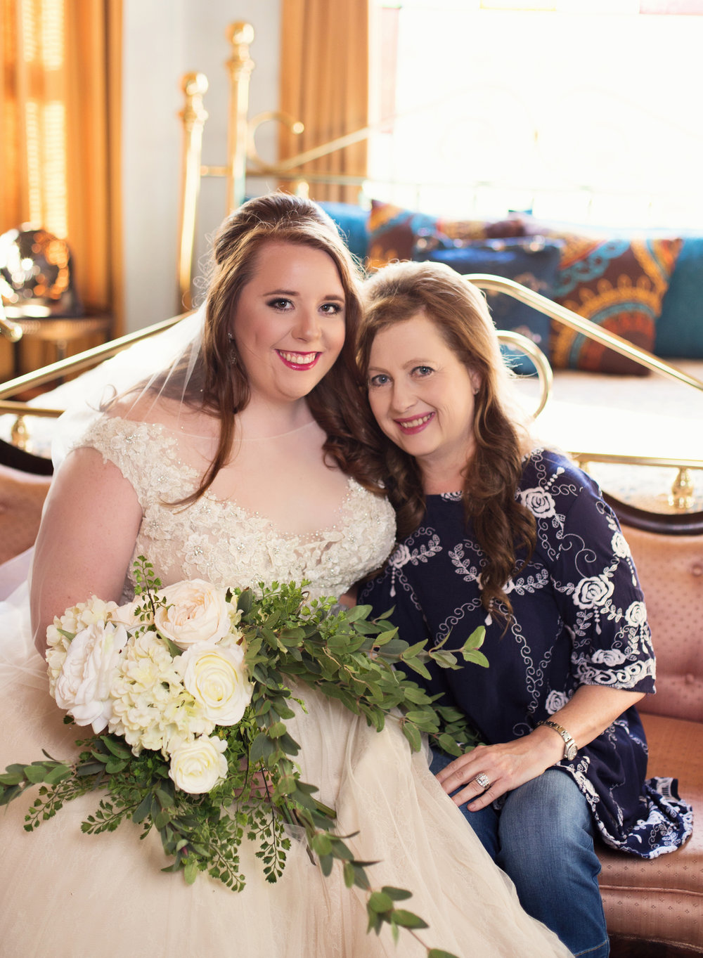 Bride and her mom in Shreveport, Louisiana