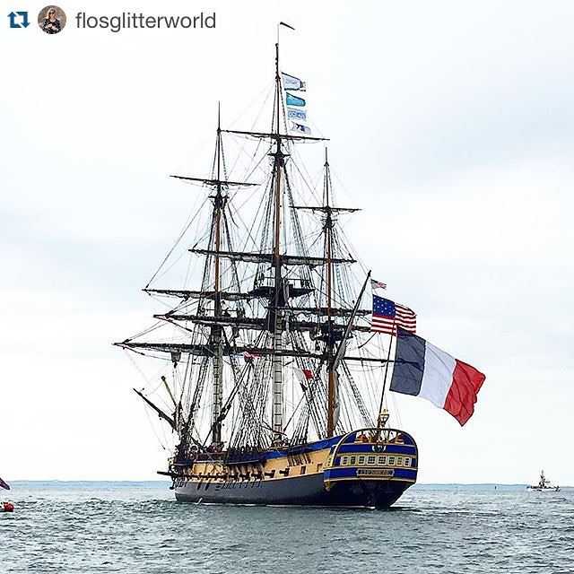 #Hermione sails on the Hudson today in a parade of ships for July 4th. ・・・ Merci @flosglitterworld RG Majestueuse Hermione ⛵️⚓️ #Hermione #BZHermione #Scruise #smartboat #frenchboat #hermioneparade #lafayette #4thofjuly #boatparade #instadaily #bestoftheday #picoftheday