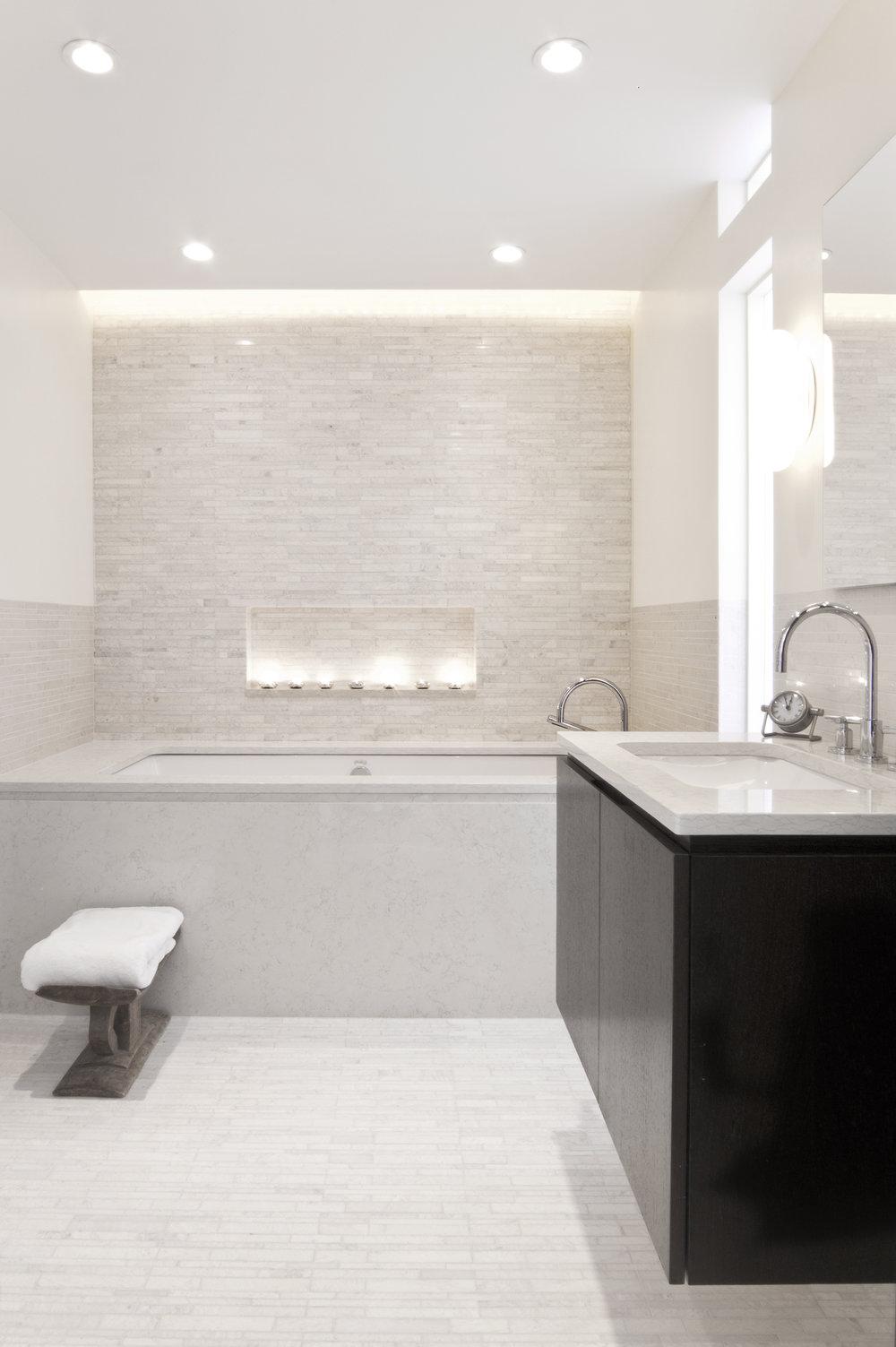 6_Finder bath1.jpg