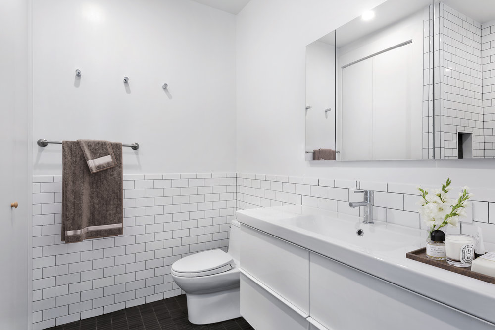 96 Rockwell Place_Master Bathroom_staged_VD.jpg