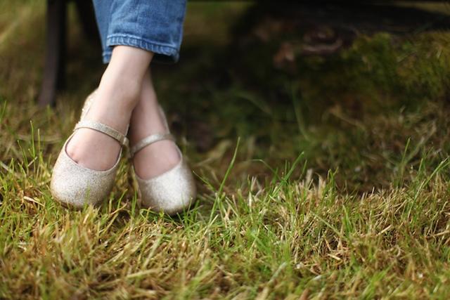 little girls sparkley shoes
