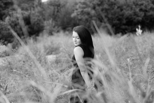 McKenzie Saultz Senior pirctures Thurston High school cross country golden gardens pikes market downtown seattle washington beach sand trees grass eugene oregon 6 (1)