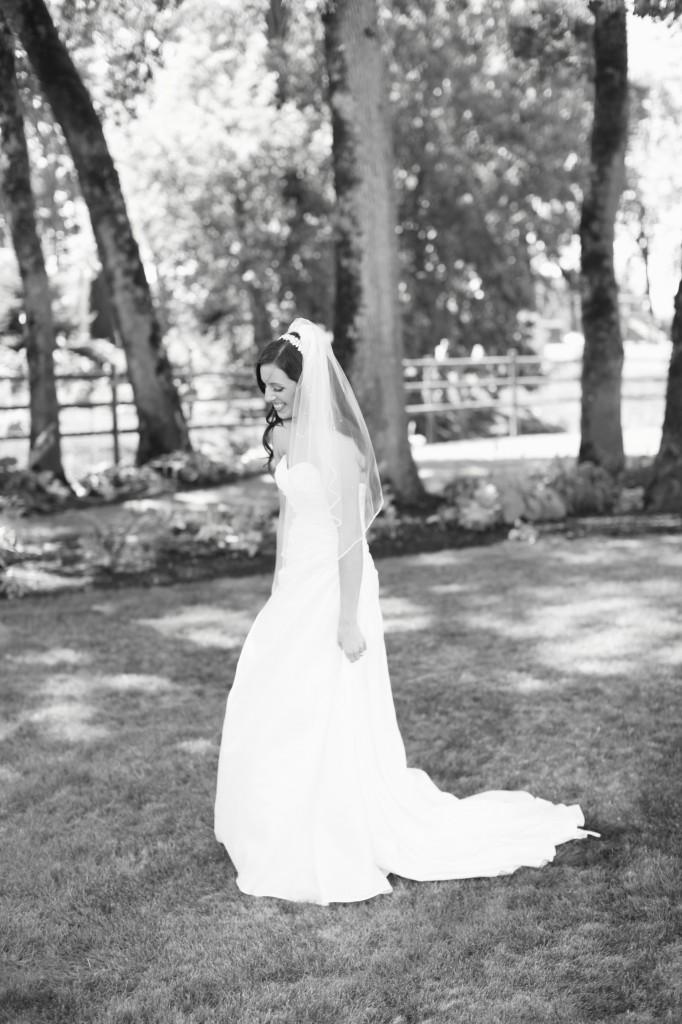 Eugene Oregon Wedding photographer whisper-n-oaks woods trees bride rachael kruse photography photos 1 (1)