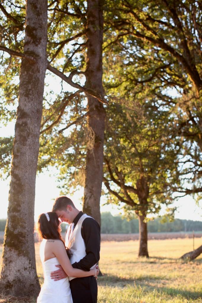 Eugene Oregon Wedding photographer whisper-n-oaks woods trees bride rachael kruse photography photos 2 (3)