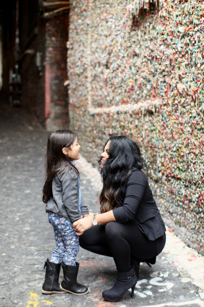 seattle family photographer downtown pikes market great wheel gum wall children kids rachael kruse photography 7